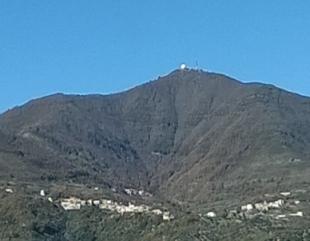 Giù le mani dal Monte della Stella.